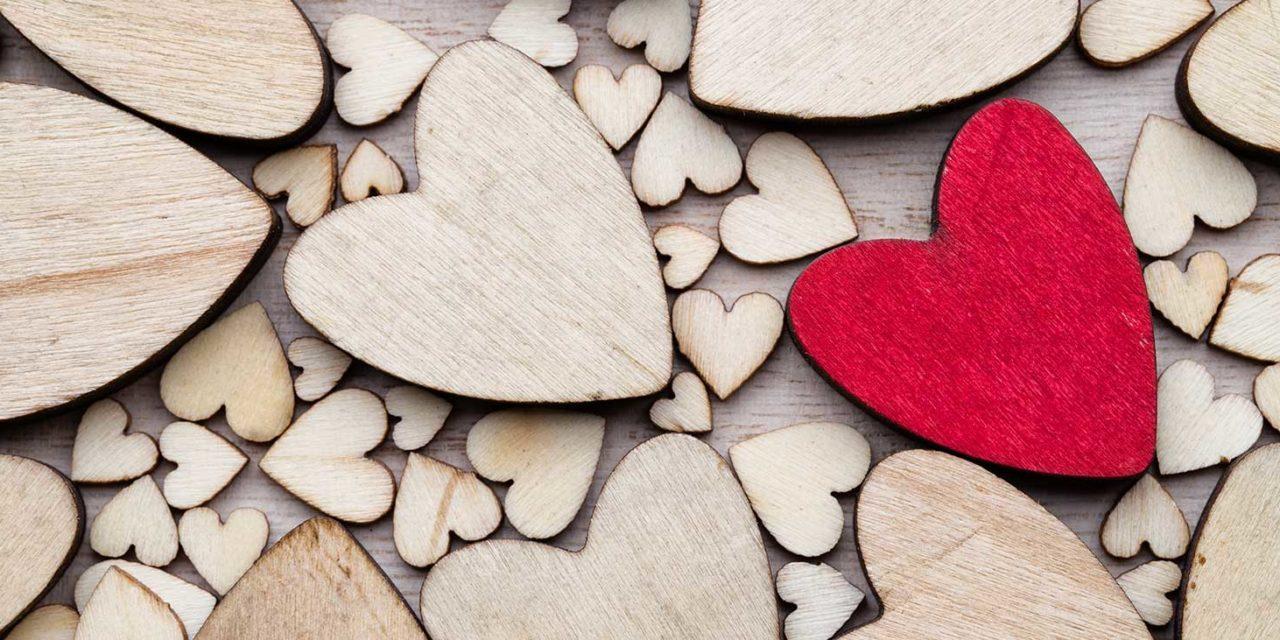 https://www.tildet.com/wp-content/uploads/2020/07/wooden-hearts-1280x640.jpg
