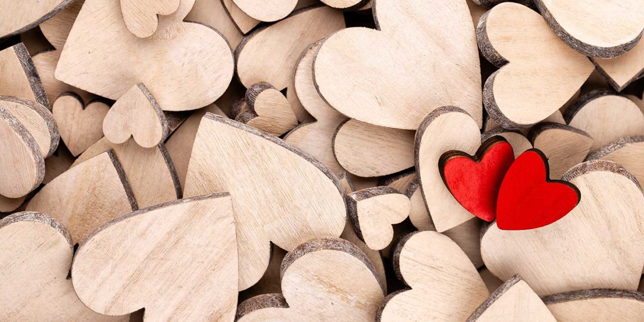 https://www.tildet.com/wp-content/uploads/2020/07/wooden-hearts2-1280x640.jpg